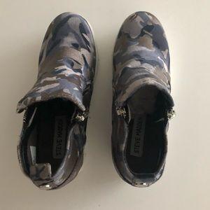 Steve Madden Shoes - BRAND NEW. Steve Madden Big Kid Wedge